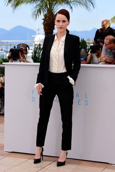 rachel-brosnahan-in-saint-laurent-at-the-louder-than-bombs-68th-cannes-film-festival-photocall