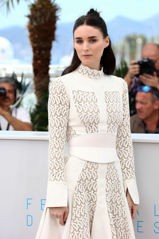 rooney-mara-in-alexander-mcqueen-carol-cannes-film-festival-photocall