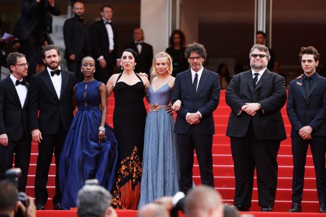 Sienna-Miller--Closing-Ceremony-and-Le-Glace-Et-Le-Ciel-Premiere--09-662x441