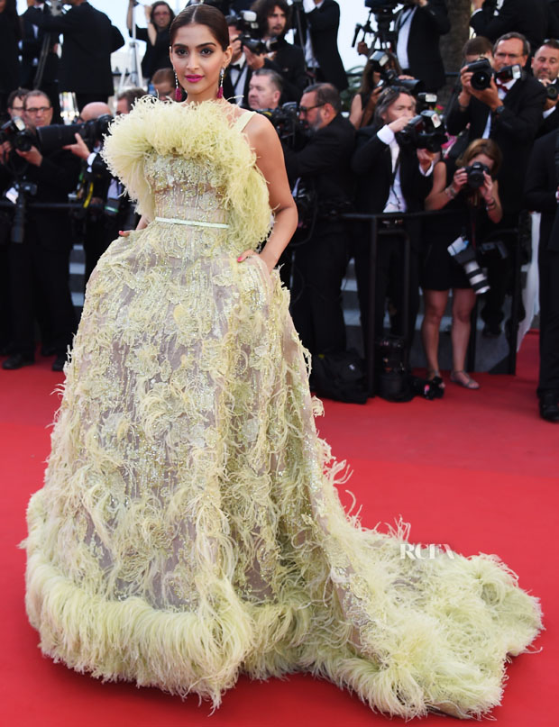 Sonam- Kapoor- in -Elie -Saab- Couture-CANNES