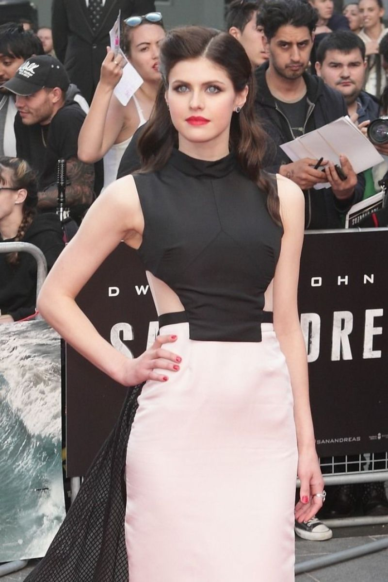 alexandra-daddario-at-san-andreas-premiere-in-london_1