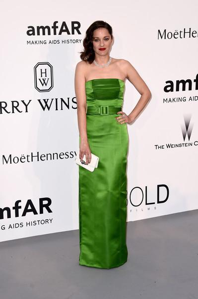 marion-cotillard-in-jean-paul-gaultier-couture-2015-amfar-cinema-against-aids-gala