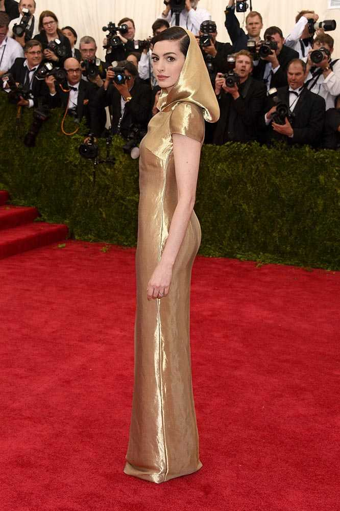 anne-hathaway-met-gala-2015-met-costume-institute-gala-2015__large