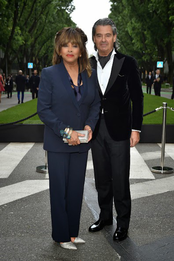 armani-40th-anniversary-with-tina-turner-02-1