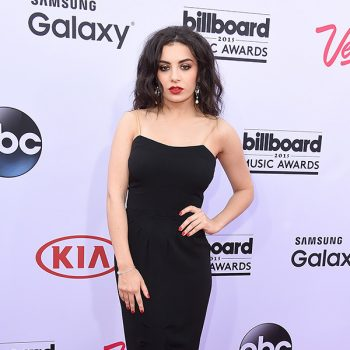 charli-xcx-billboard-awards-2015-red-carpet-Vintage