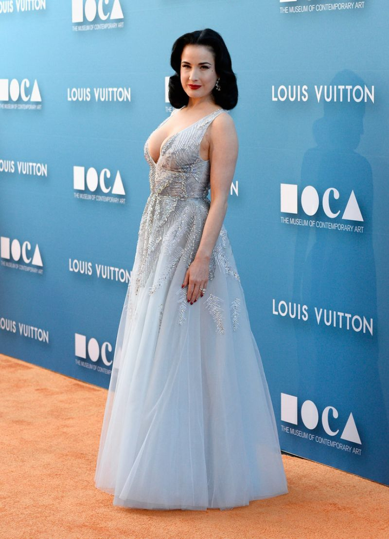 dita-von-teese-2015-moca-gala-in-los-angeles_2