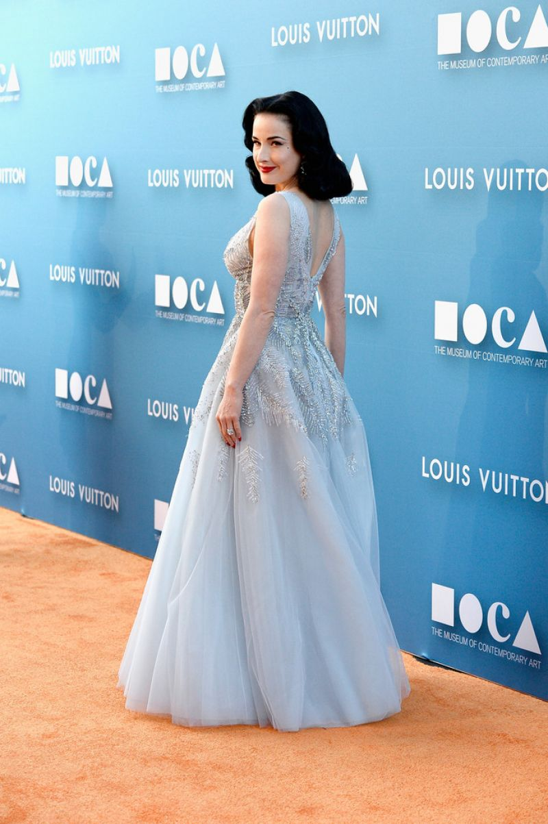 dita-von-teese-in-zuhair-murad-2015-moca-gala-in-los-angeles