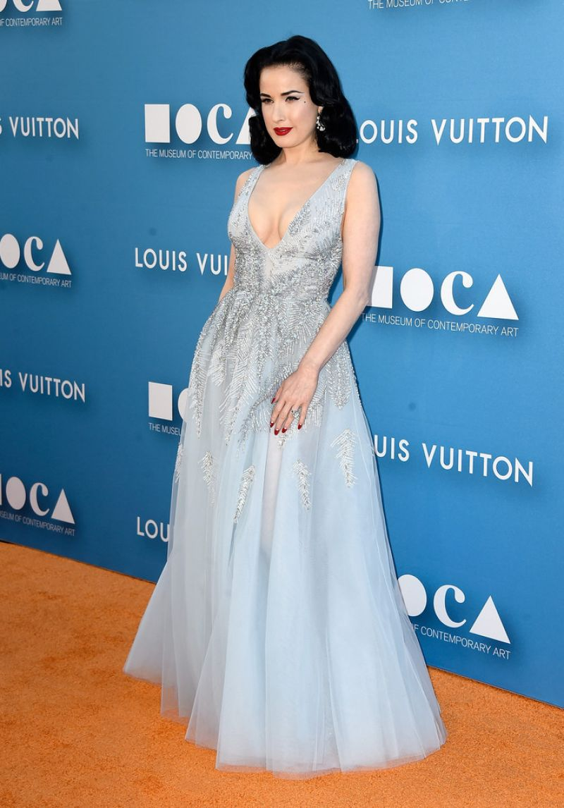 dita-von-teese-2015-moca-gala-in-los-angeles