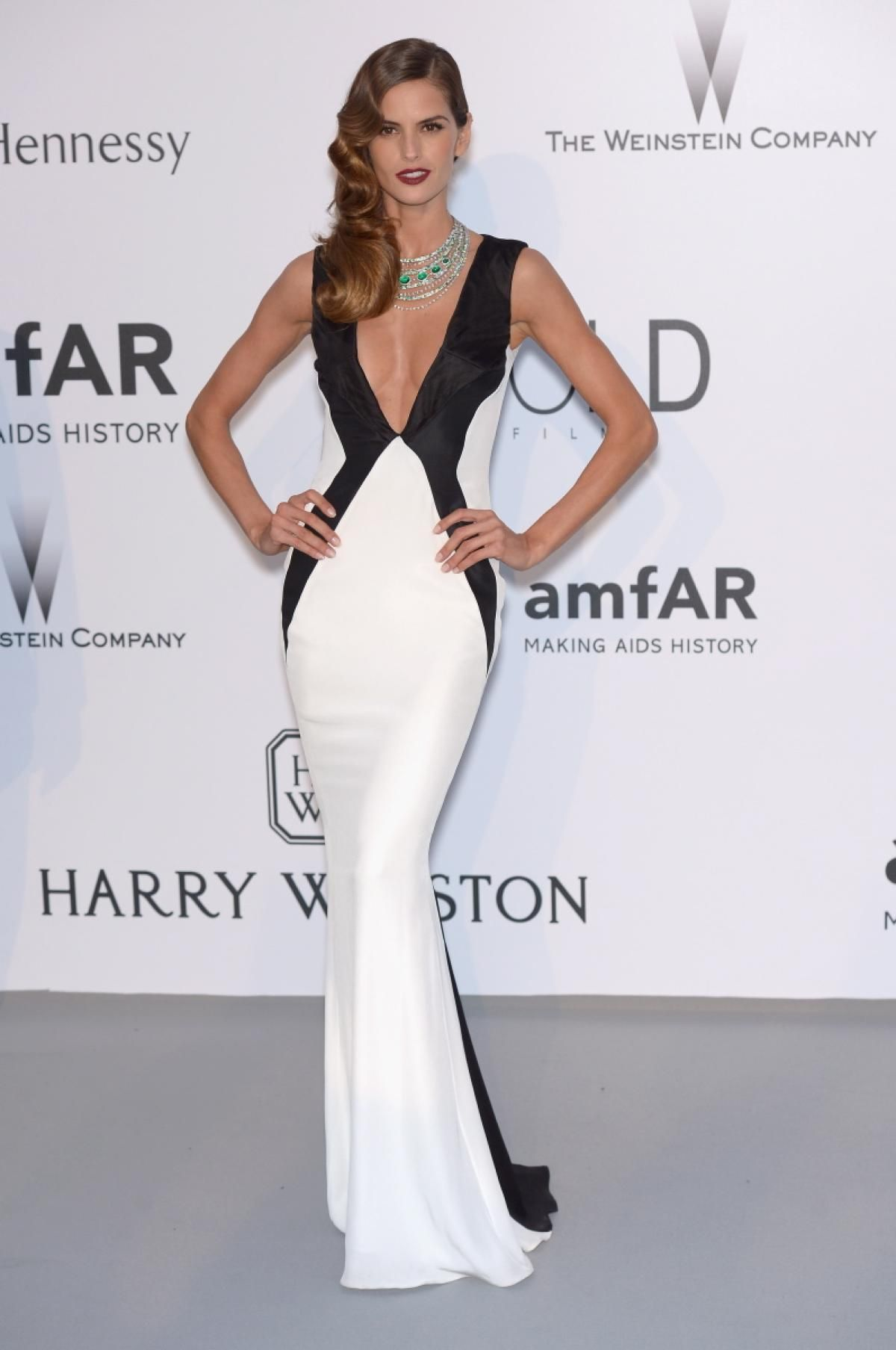 izabel-goulart-at-amfar-s-2015-cinema-against-aids-gala-in-cap-d-antibes_2