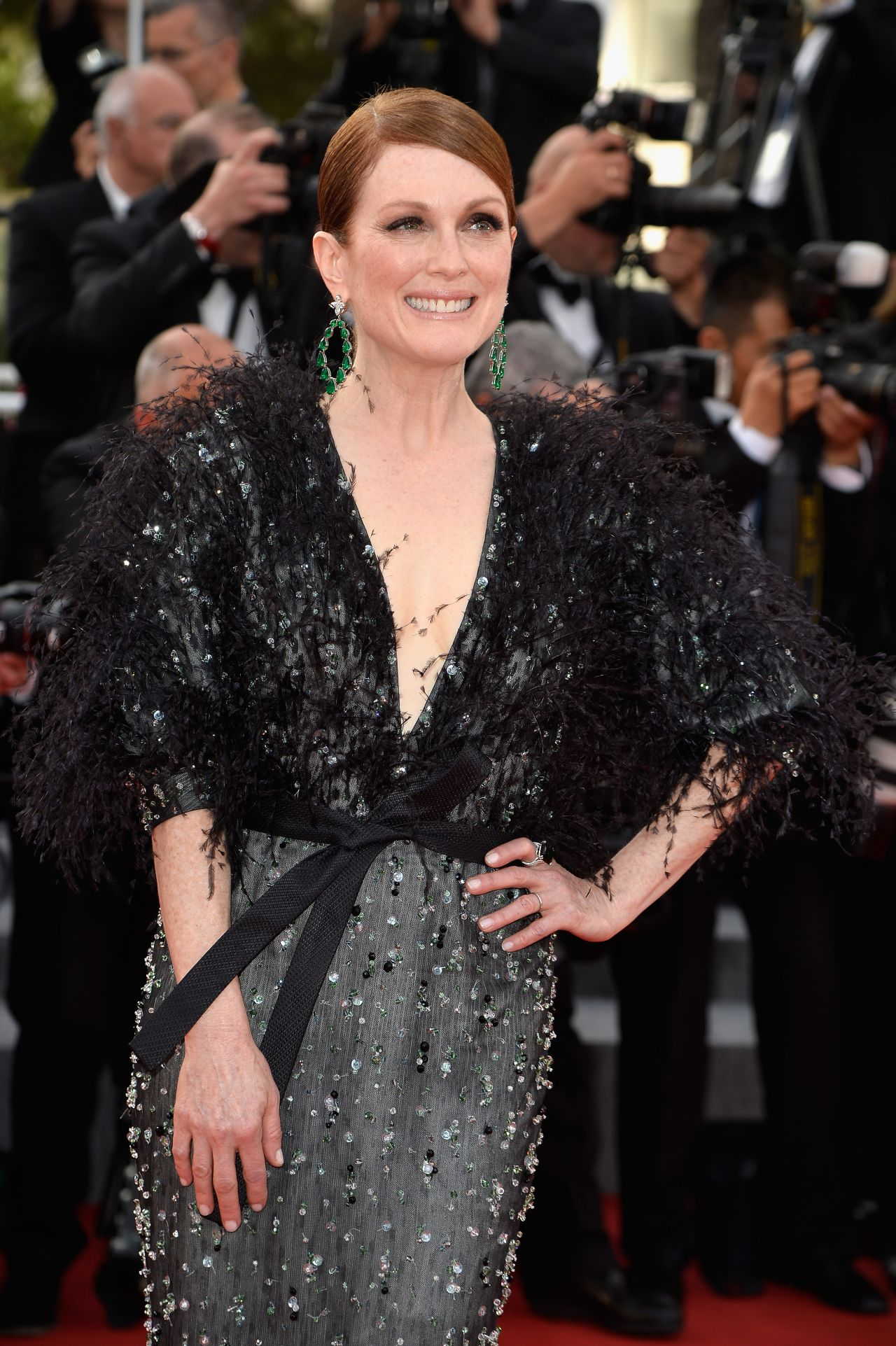 jjulianne-moore-in-armani-prive-at-the-standing-tall-68th-cannes-film-festival-premiere-opening-ceremony