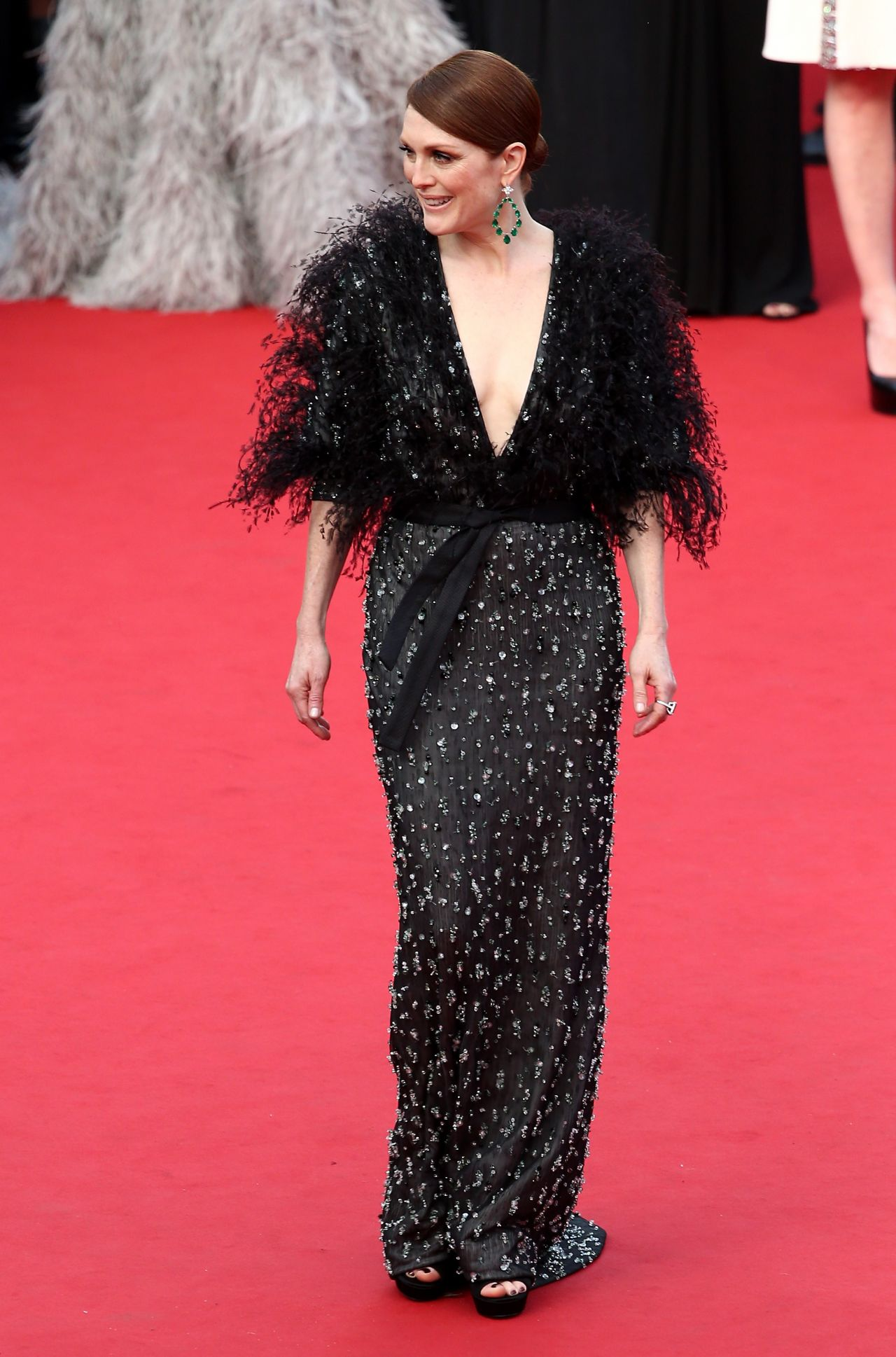 julianne-moore-in-armani-prive-at-the-standing-tall-68th-cannes-film-festival-premiere-opening-ceremony