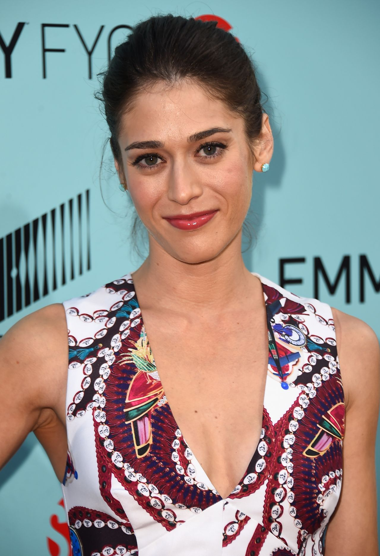 lizzy-caplan-in-mary-katrantzou-masters-of-sex-la-screening