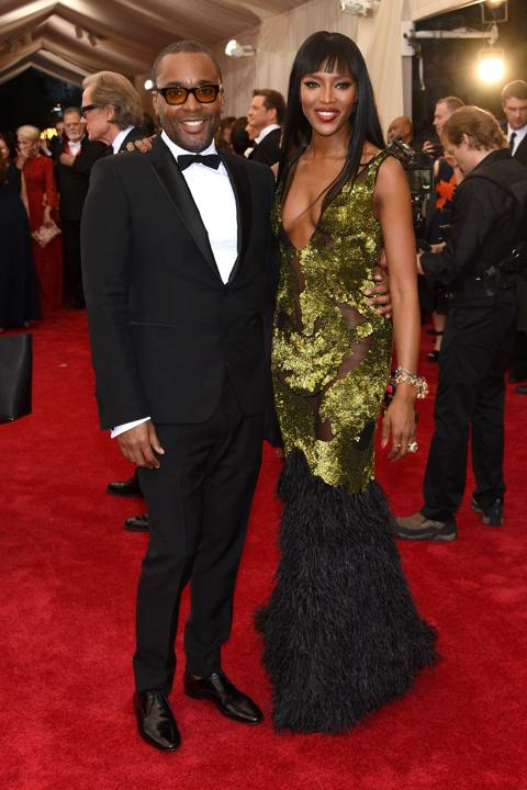 Naomi-Campbell-in-Burberry-at-the-2015-Met-Gala