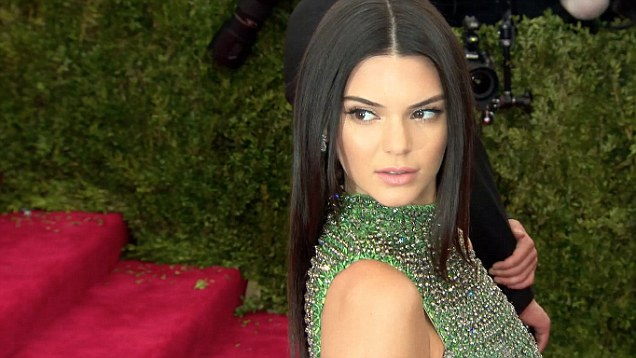 Kendall-Jenner-in-Calvin-Klein-Collection-at-the-2015-Met Gala
