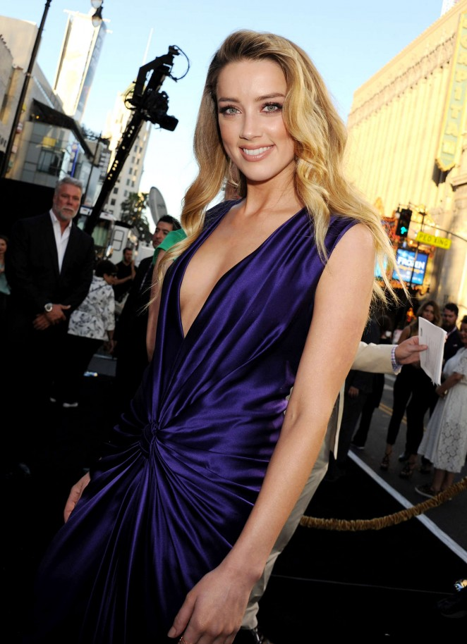 amber-heard-in-monique-lhuillier-at-magic-mike-xxl-la-premiere