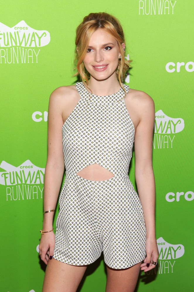 bella-thorne-in-asos-at-the-crocs-funway-runway-launch-party