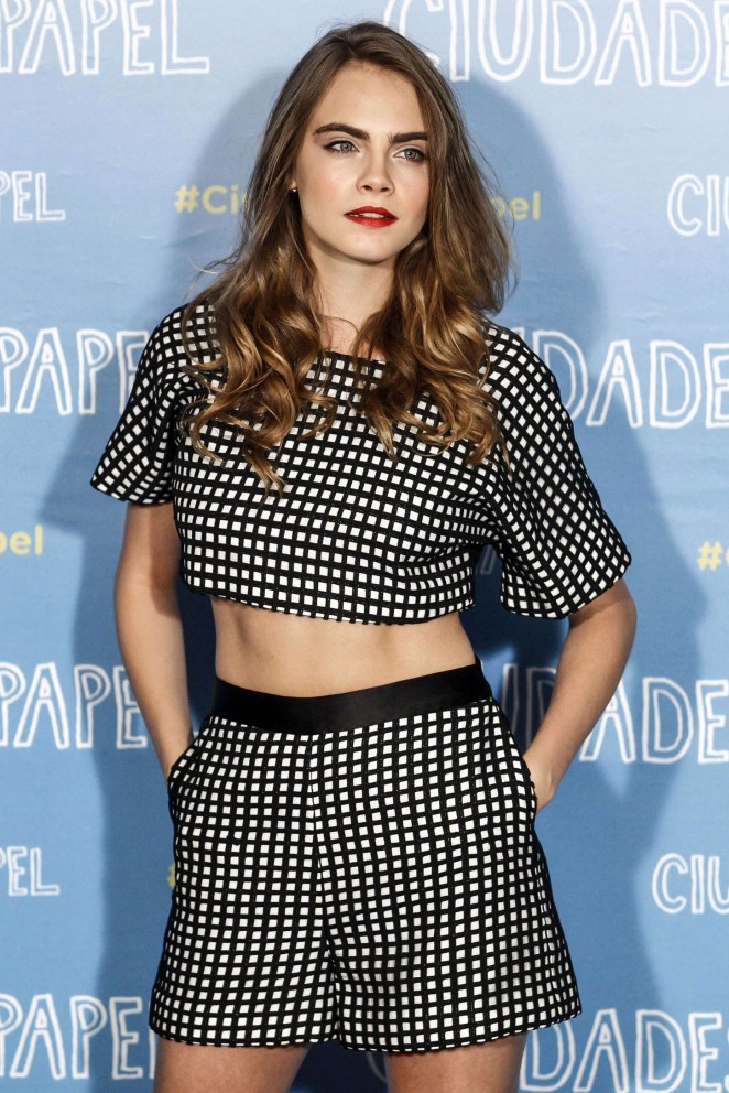 cara-delevingne-in-vatanika-at-the-paper-towns-madrid-photocall