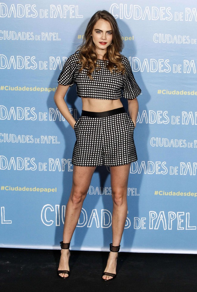 Cara-Delevingne-Paper-Towns-Photocall-14-662×979
