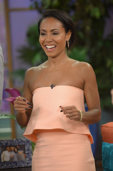 jada-pinkett-smith-in-elizabeth-and-james-at-magic-mike-xxl-prom-tour-on-despierta-america