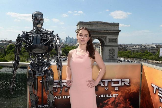 Emilia-Clarke--Terminator-Genisys-Photocall