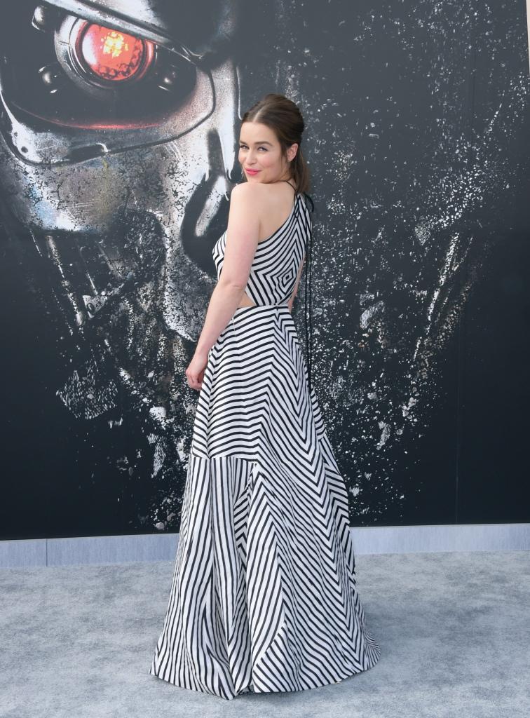 Emilia-Clarke-a-la-premiere-de-Terminator-Genisys_
