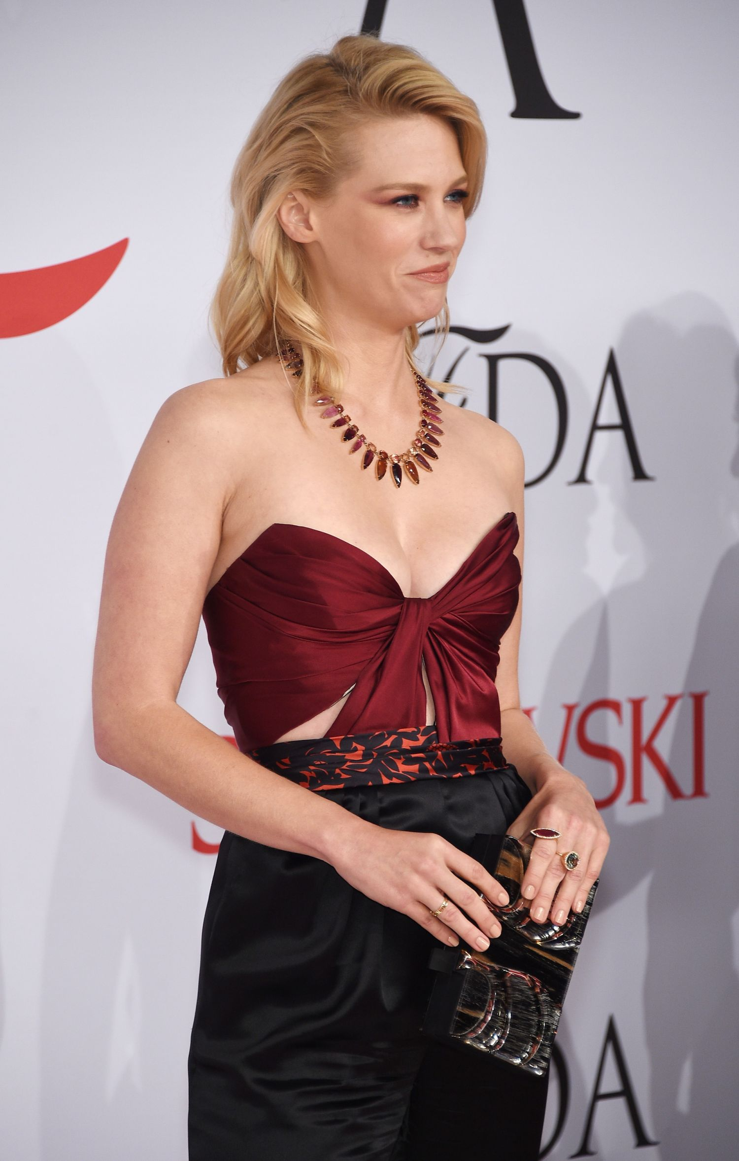 January-Jones-2015-CFDA-Fashion-Awards-NY-3
