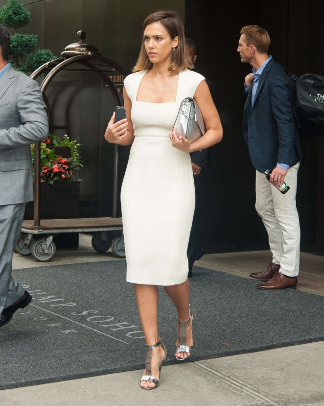 jessica-alba-in-narciso-rodriguez-out-in-new-york-city-