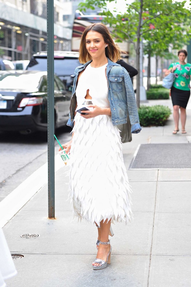 jessica-alba-in-giambattista-valli-out-in-new-york-city
