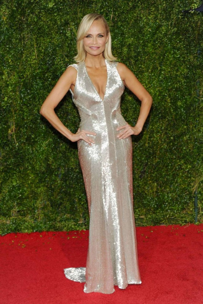 Kristin-Chenoweth--2015-Tony-Awards-