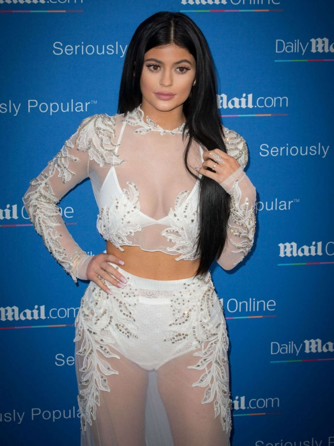 Kylie-Jenner--DailyMail-Yacht-Party-