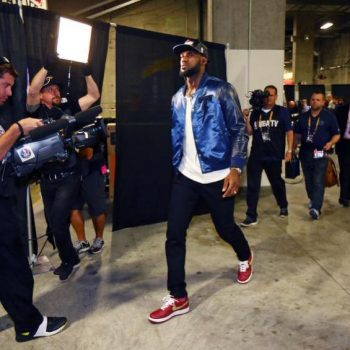 Lebron-Tackma_jacket-game-5