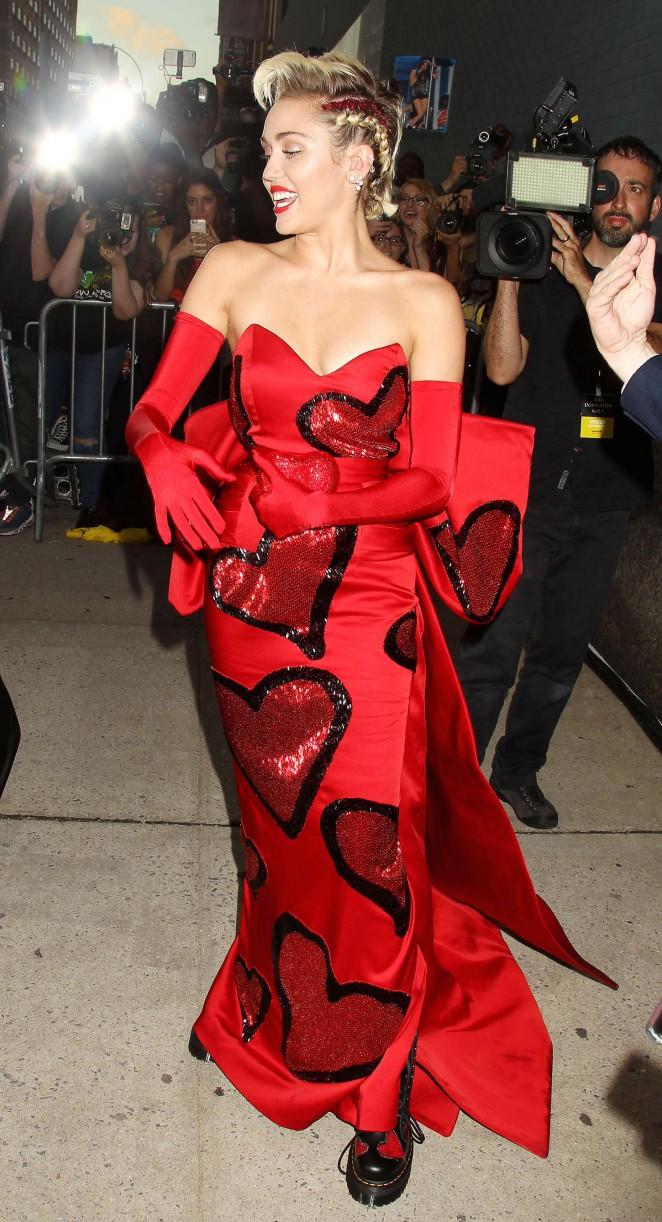 Miley-Cyrus--2015-amfAR-Inspiration-Gala-