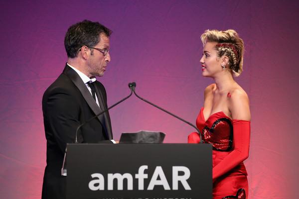 Miley+Cyrus+2015+amfAR+Inspiration+Gala+New+TlK_rBEStkYl