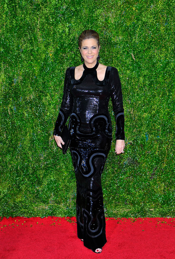 Rita-Wilson-tony-awards-2015