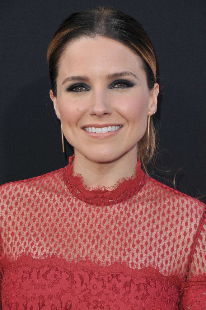 sophia-bush-temperley-london-earl-dying-girl-la-premiere