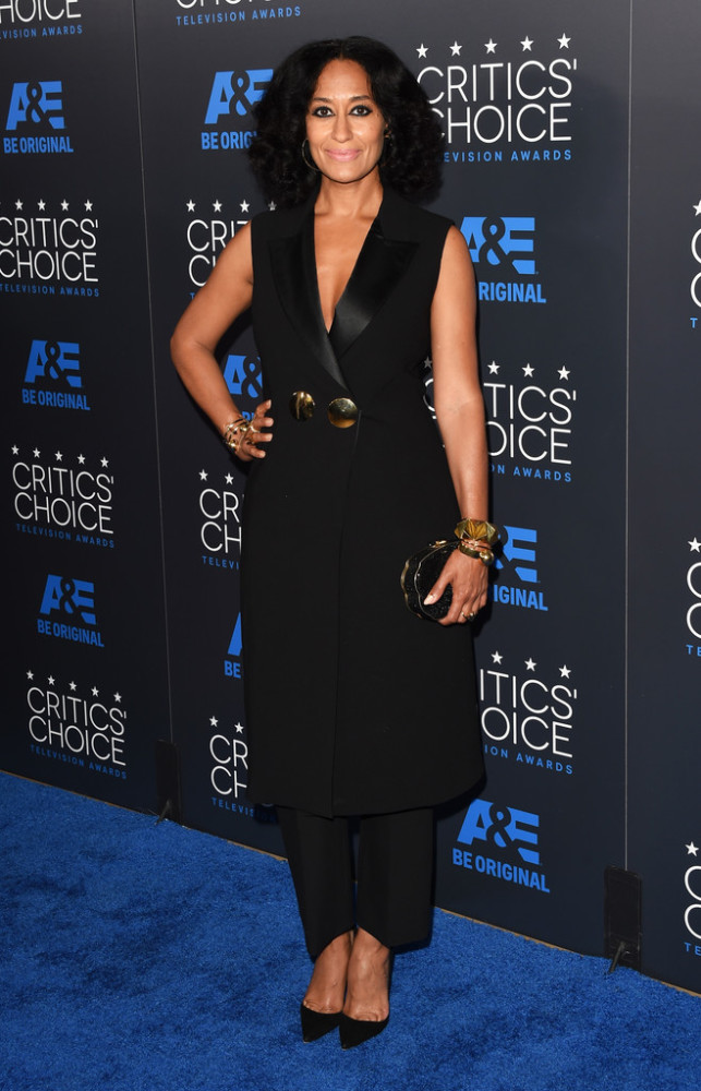 Tracee-Ellis-Ross-5th-Annual-Critics-Choice-Z6G9orxWSWQx-643x1000