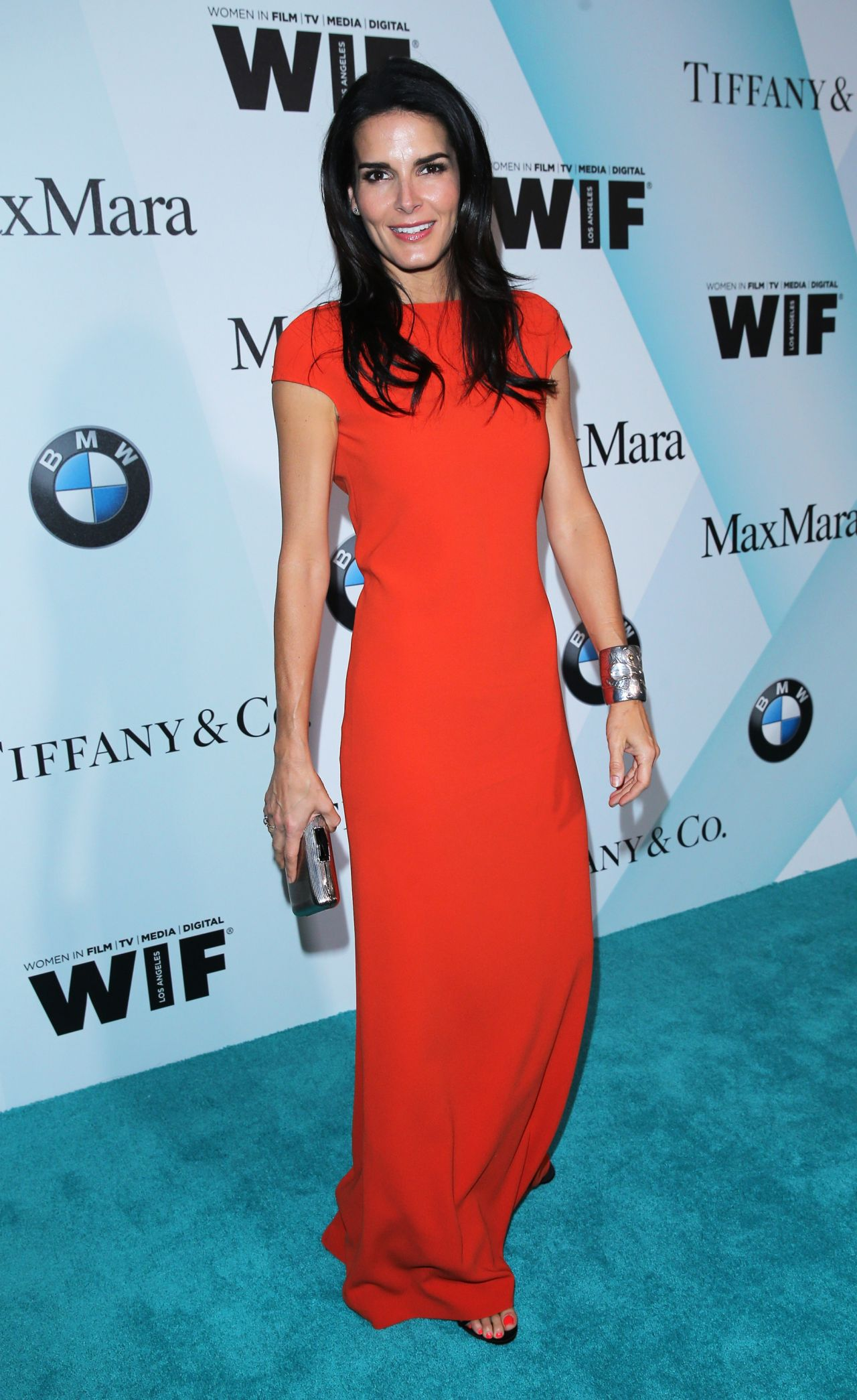 angie-harmon-women-in-film-2015-crystal-lucy-awards-in-century-city_1
