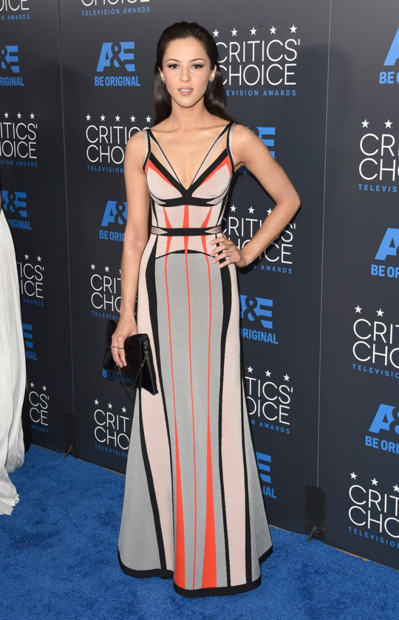 annet-mahendru-in-herve-leger-5th-annual-2015-critics-choice-television-awards
