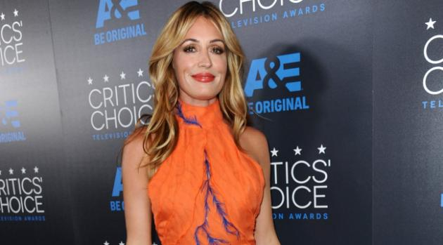 cat-deeley-in-azzaro-couture-2015-critics-choice-television-awards