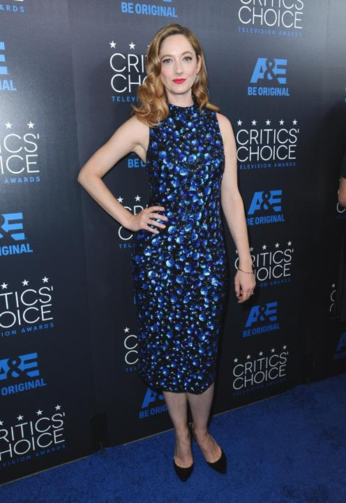 judy-greer-in-alice-olivia-at-the-2015-critics-choice-television-awards