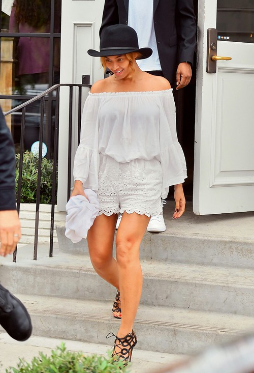 beyonce-gracias-madre-elan-top-zimmermann-shorts-aquazzura-olivia-palermo-sandals