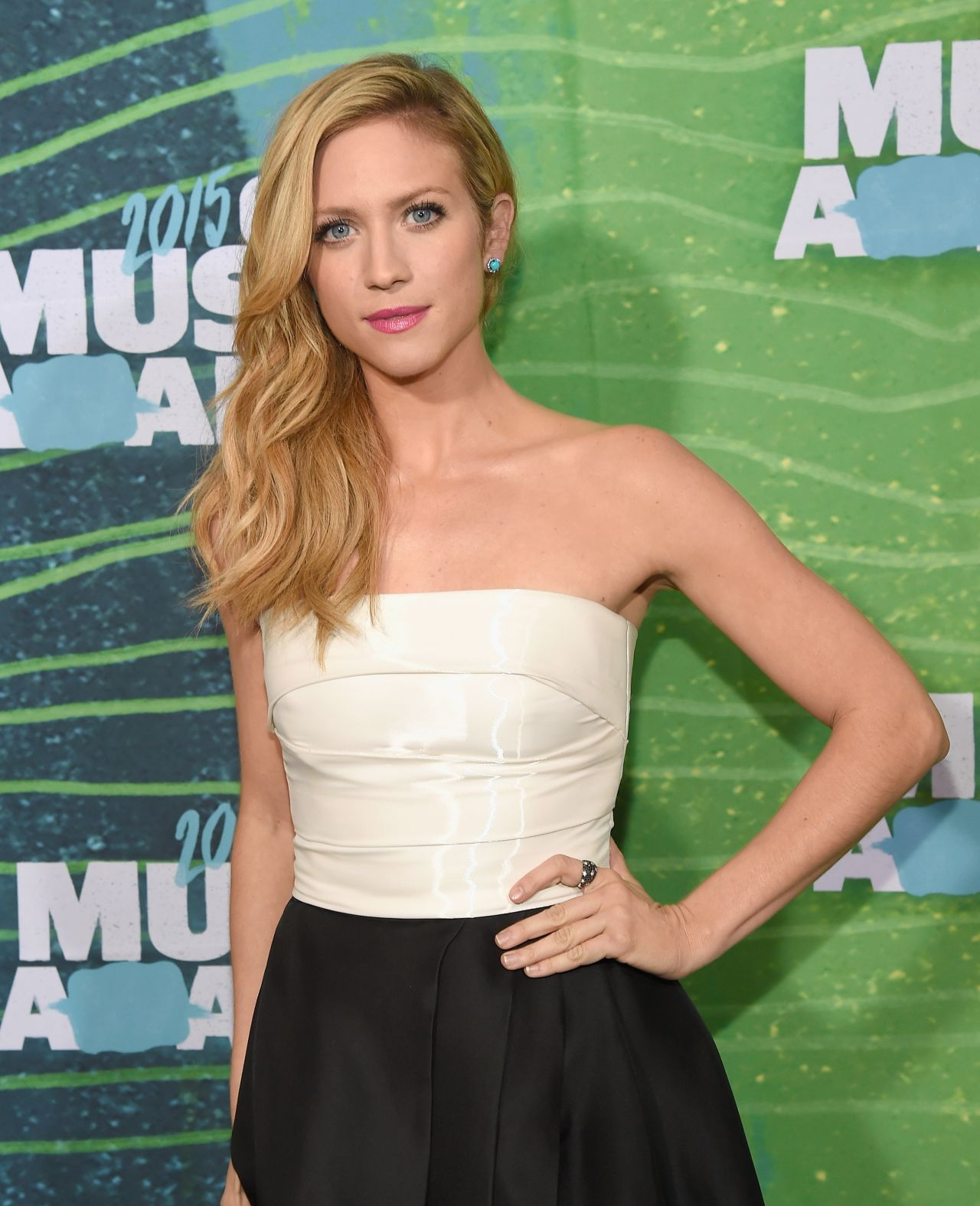 brittany-snow-in-monique-lhuillier-at-the-cmt-music-awards