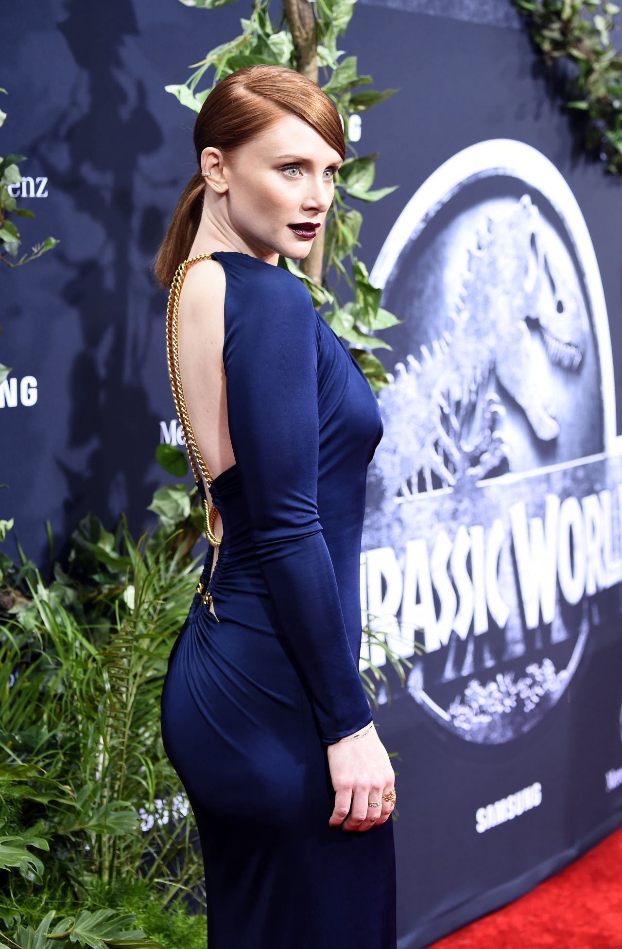 bryce-dallas-in-emilio-pucci-at-jurassic-world-premiere-in-hollywood