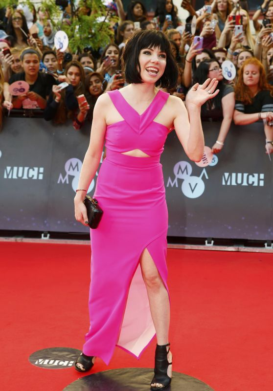 carly-rae-jepsen-2015-muchmusic-video-awards-in-toronto