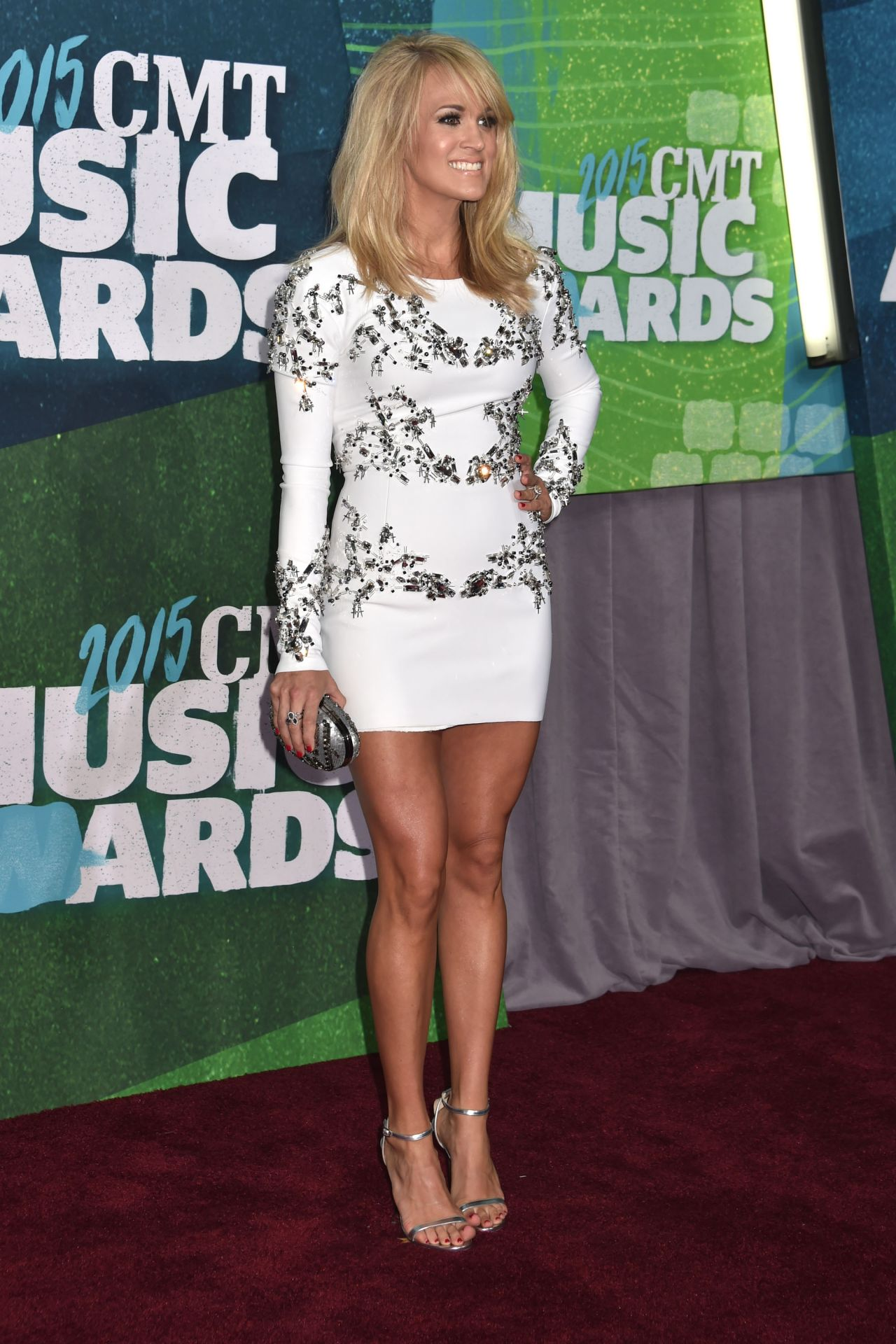 carrie-underwood-in-thomas-wylde-at-the-2015-cmt-awards