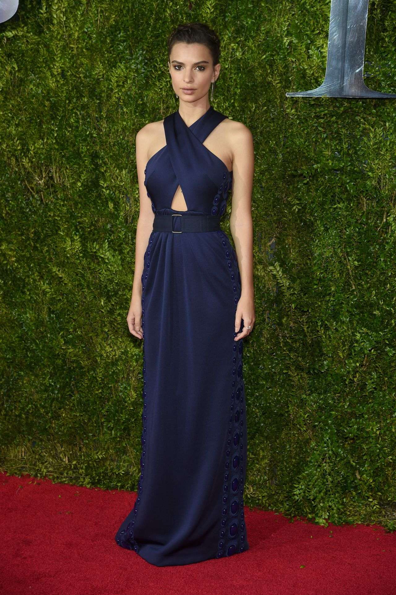 emily-ratajkowski-2015-tony-awards-in-new-york-city_2