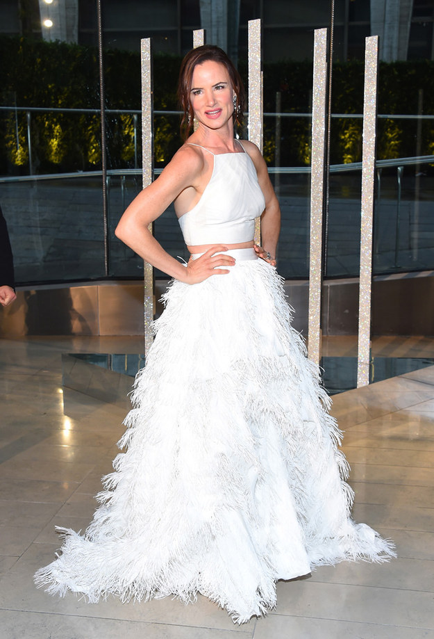 juliette-lewis-in-christian-siriano-at-the-2015-cfda-fashion-awards