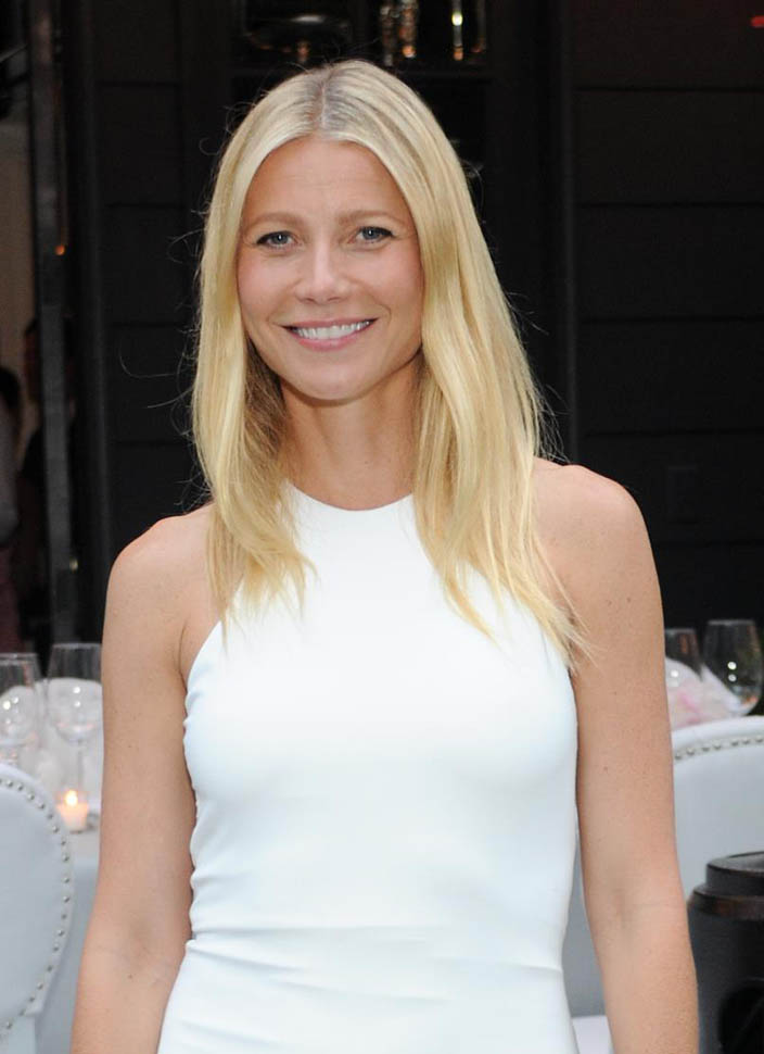 gwyneth-paltrow-in-air-by-alice-olivia-windsor-smiths-homefront-celebration