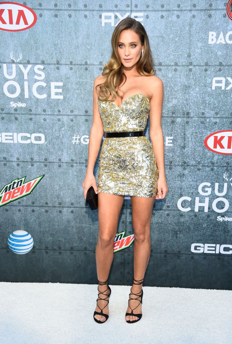 hannah-davis-at-spike-tv-s-guys-choice-awards-in-culver-city_6