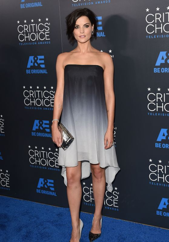 jaimie-alexander-in-halston-heritage-at-the-5th-critics-choice-television-awards